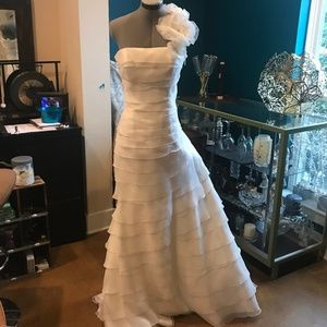 NEW! San Patrick Off White Bridal Dress